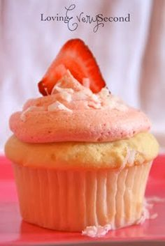 I've got a delicious cupcake recipe for you today! I love making homemade strawberry frosting to put on cupcakes. I decided to com. Strawberry Frosting, Strawberry Cupcakes, Coconut Cupcakes, Yummy Cupcakes, Cupcake Flavors, Cupcake Recipes, Peach Cobbler Cupcakes, I Love Food, Sweet Tooth