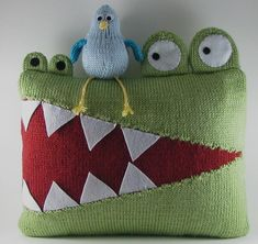 This listing is for an original knitting pattern to make a Hungry Alligator Pillow. This design features an alligator with a closed mouth and bird peacefully sleeping on the front and an alligator with an open mouth and a wary looking bird on the back. Sewing Pillows, Diy Pillows, How To Make Pillows, Cushions, Funny Pillows, Craft Patterns, Sewing Patterns, Sewing Crafts, Sewing Projects