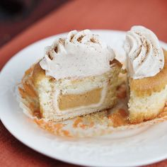 Pumpkin Pie CUPACAKES — Mini pumpkin pies baked INSIDE of cupcakes (with cinnamon-cream cheese frosting, of course)