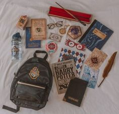 What's in my Backpack: Hogwarts School & Harry Potter Edition