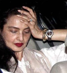 Rekha was caught on camera without any make-up. Do actors usually look so bad without make-up?