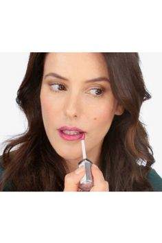 A quick 3 minute tutorial showing three different ways to wear a bold lip -from catwalk version to super easy wearable
