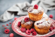 Ha ezzel a fagyival tálaljuk, még finomabb a végeredmény. Muffins, Cheesecake, Breakfast, Food, Life, Raspberry Cookies, Colorful Desserts, Butter Cakes, Pastry Recipe