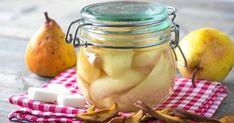 Så gör du inkokta päron på gammaldags vis – enkelt & underbart gott recept |Land.se Pickles, Land, Cucumber, Recipes, Rezepte, Food Recipes, Pickle, Cauliflower, Recipies