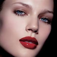 Resultado de imagen de mujeres maquilladas