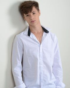 Gay Guys, Teen Fashion, Actors, Shirt Dress, Boys, Mens Tops, Fashion Design, Dresses, Girls