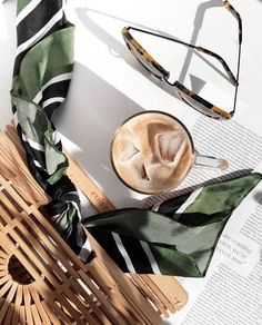 Coffee Painting Tips coffee cafe aesthetic.Coffee In Bed Aesthetic. Iced Latte, Iced Coffee, Coffee Drinks, Starbucks Coffee, Starbucks Drinks, Espresso Coffee, Hot Coffee, Fred Instagram, Photo Instagram