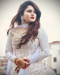 suit walia kudiyan only ( Stylish Dresses For Girls, Stylish Girl Images, Stylish Girl Pic, Party Wear Indian Dresses, Designer Party Wear Dresses, Fancy Dress Design, Stylish Dress Designs, Simple Pakistani Dresses, Pakistani Dress Design