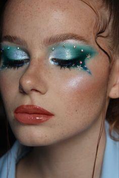 Makeup by Ilona Cavallini Blue Makeup Looks, Septum Ring, Instagram, Rings, Jewelry, Jewlery, Bijoux, Jewerly, Ring