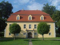 Herrenhaus Schwarzbach in Brandenburg (Familie von Hoym, Fürsten von Schönburg-Waldenburg)