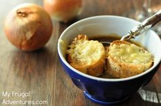 Crock Pot French Onion Soup Recipe. So easy to make and incredibly delicious!