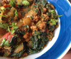 Palak Keema is a simple, one-pot Indian comfort food made with ground beef, onions, tomatoes, spinach and lots of spices. It's like the inside of a samosa! #paleo