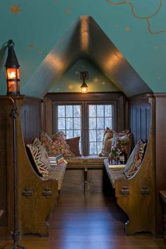 Nooks & Crannies in the Arts & Crafts Home | Arts & Crafts Homes and the Revival