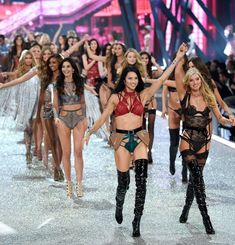 7 things to know about the Victoria's Secret fashion show in Paris. #VictoriaSecretFashion