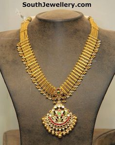 South Indian muvvala gold necklace with kundan pendant