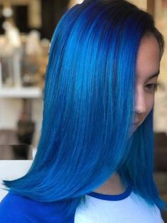 45 Gorgeous Green Hair Color Trends for Women 2018. Are you looking for best hair colors to apply on long hairstyles? How about green hair colors? If you try this color you'll definitely get absolutely unique hair colors look. We've posted here the most inspiring & modern shades of blue hair color that you may use to wear in this year. Visit here for best blue hair color.