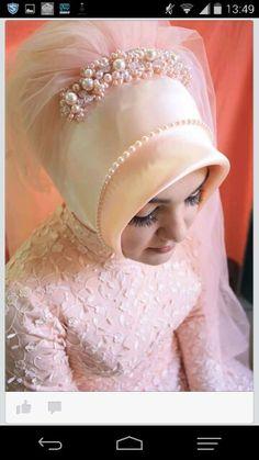 Gelin basi Hijab Bride, Wedding Hijab, Bride Gowns, Wedding Gowns, Wedding Girl, Wedding Dresses For Girls, Wedding Bride, Muslim Brides, Muslim Girls