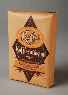Verpakking van Van Rossem, productnaam Kaffa, bedoeld voor koffiesurrogaat Tea, Coffee, People, Everything, Nostalgia, Kaffee, Cup Of Coffee, People Illustration, Teas