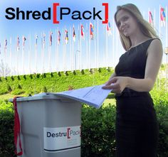 Shred[Pack] pequeñocontenedor de diseño especifico para documentación confidencial