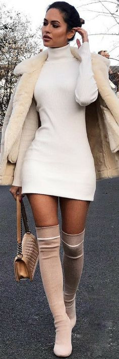 How To Style 10 Of The Most Amazing New Years Outfits https://ecstasymodels.blog/2017/11/19/style-3-amazing-new-years-outfits/