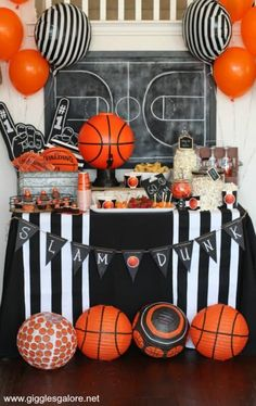 Madness Basketball Party Let the madness begin! Plan a March Madness Basketball party and invite friends over to watch the Big Dance! Plan a March Madness Basketball party and invite friends over to watch the Big Dance! Sports Themed Birthday Party, Basketball Birthday Parties, Sports Party, Basketball Party Themes, Basketball Decorations, 10th Birthday, Birthday Ideas, Birthday Games, Basketball Baby Shower
