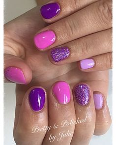 Nail art Christmas - the festive spirit on the nails. Over 70 creative ideas and tutorials - My Nails Purple And Pink Nails, Blush Pink Nails, Bright Pink Nails, Pink Glitter Nails, Pastel Pink, Pink Shellac Nails, Glitter Makeup, Cute Nails, Pretty Nails