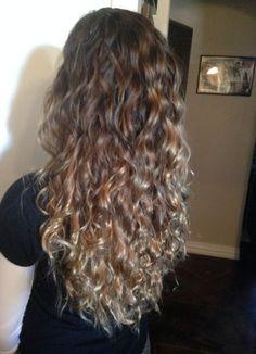 49 ideas hair peinados rulos for 2019 Curly Hair Styles, Curly Hair Tips, Long Curly Hair, Colored Curly Hair, Ombré Hair, Permed Hairstyles, Dyed Hair, Curly Hair Dye, Wavy Hair Perm