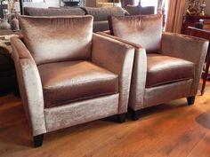 Onwijs luxe, moderne, klassieke fauteuils. Toepasbaar in ieder interieur. Ook een echte eye-catcher in uw woonkamer. Armchair, Sweet Home, Modern, Furniture, Home Decor, Lush, Arm Chairs, Stools, Sofa Chair