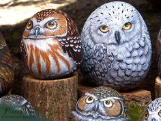 Owls painted stones by Ernestina