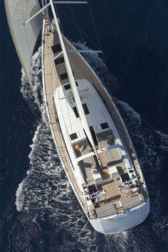 Jeanneau 64 : Le Navire Amiral.