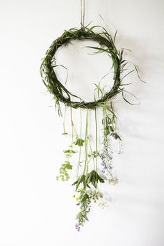Diy Crafts Ideas nature dreamcatcher -Read More – Diy And Crafts, Crafts For Kids, Arts And Crafts, Deco Nature, Deco Floral, Nature Crafts, Dried Flowers, Bunting, Wind Chimes