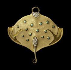 Manta pendant by Dashi Namdakov