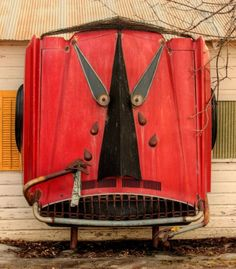 car part sculpture at the Swetsville Zoo Fort Collins, CO By Bill Swets Car Wall Art, Unusual Art, Fort Collins, Outsider Art, Shoe Box, Yard Art, Car Parts, Metal Working, Street Art