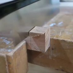 Making a Woodworking Projects, Diy Abschnitt, Diy Furniture Videos, Furniture Projects, Furniture Plans, Wood Furniture, Wood Projects, Building Furniture, Woodworking Techniques, Easy Woodworking Projects, Woodworking Furniture