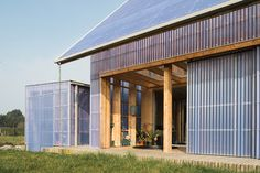 BRUT architectes clads low energy house in france with translucent panels Tropical Architecture, Sustainable Architecture, Sustainable Design, Sustainable Energy, Best Greenhouse, Greenhouse Wedding, Greenhouse Ideas, Low Cost Housing, Houses In France