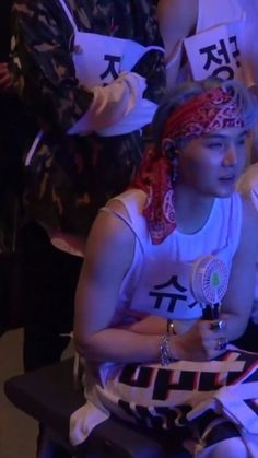 I love this look!!! Also look at his arms... Wow baby....  #Yoonie #Yoongi #Suga