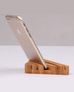 En flott gave til alle som har behov for å rydde opp på skrivebordet! Laget av høykvalitets tømmer og leveres i 4 deler