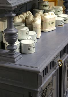 Chalk Paint™ decorative paint by Annie Sloan: Old Violet