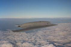 photo Dassault Aviation - G. Gosset. Avec son 100e vol, réalisé en février, le démonstrateur technologique de drone de combat nEUROn a achevé sa campagne d'essais en France.