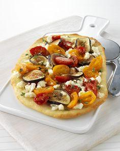 Marinated Tomato, Fresh Fig and Feta Cheese Pizza Fig Pizza, Dried Figs, Fresh Figs, Feta Cheese Pizza, Pizza Legume, Marinated Tomatoes, Pizza Flavors, Fig Recipes, Tarts