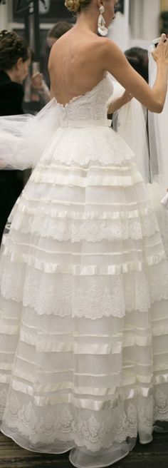 Pretty Lace, Tulle & Satin Bridal Ball Gown Wedding Dress