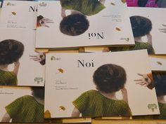 """NOI di Elisa Mazzoli, con le illustrazioni di Sonia MariaLuce Possentini NOI racconta la storia di un'amicizia tra due bambini, tra due bimbi di nome Filippo. Uno """"normale"""", e uno con una deformità facciale e comportamenti un po' """"strani"""". Due bambini che frequentano la stessa scuola, ma che hanno una visione diversa delle stesse esperienze."""