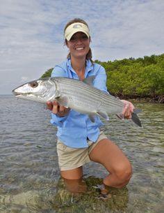 Impressive Photos by Pat Ford - lady with nice bonefish Diy Fishing Bait, Fly Fishing Girls, Crappie Fishing Tips, Bass Fishing Shirts, Women Fishing, Going Fishing, Best Fishing, Trout Fishing, Saltwater Fishing