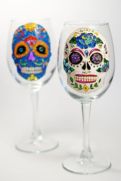 a2eded688cbc Halloween Party Favor Sugar Skull Wine Glasses Halloween Glasses Wine Gift  Day of the Dead Hand pain