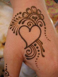 Hena Designs, Mehndi Designs For Kids, Henna Designs Feet, Mehndi Designs Book, Full Hand Mehndi Designs, Tatoo Designs, Mehndi Design Photos, Mehndi Designs For Fingers, Small Henna Tattoos
