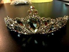 tiaras Bridal Accessories, Precious Metals, Crowns, Enchanted, Veil, Minerals, Jewels, Watches, Crystals