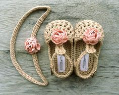 crochet baby shoes WILLOW Beige/Tan Crochet T-strap Mary Jane Baby by atelierbagatela Crochet Bib, Crochet Shoes Pattern, Crochet Baby Sandals, Baby Shoes Pattern, Baby Girl Crochet, Crochet Slippers, Crochet For Kids, Crochet Patterns, Baby Girl Sandals