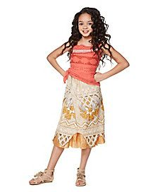 Become your favorite island princess this Halloween! This officially licensed dress will have you looking just like Moana in no time at all! The perfect way to celebrate Halloween is with your favorite Disney princess! Baby Moana Costume, Moana Halloween Costume, Halloween Ball, Baby Halloween Costumes, Baby Costumes, Spirit Halloween, Moana Costumes, Funny Halloween, Halloween Stuff