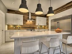 Contemporary kitchen Source by ogrenko Modern Rustic, Modern Decor, American Kitchen, Open Kitchen, Beautiful Interiors, Kitchen Decor, Kitchen Ideas, House Plans, Sweet Home