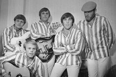 Bruce Johnston, Al Jardine, Carl Wilson, Dennis Wilson and Mike Love of The Beach Boys at the Finsbury Astoria in London. Carl Wilson, Dennis Wilson, The Beach Boys, Amazing Songs, Love Songs, Bruce Johnston, Classic Rock Artists, The Last Waltz, Mike Love